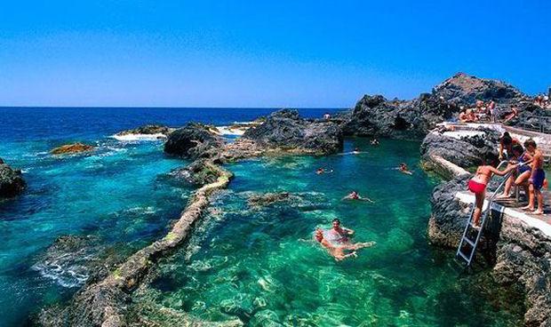 Alla scoperta delle isole canarie tenerife for Piscinas publicas en el sur de tenerife